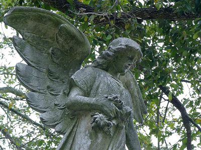 Metairie_angels_statues - Copy