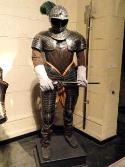 Three-quarter_armor_for_cuirassier - Copy