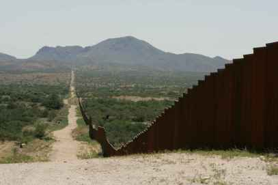 Long_border_fence - Copy