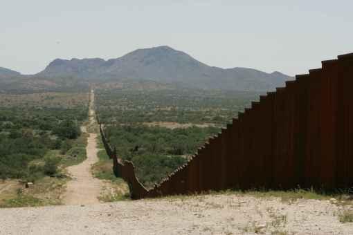 Long_border_fence - Copy