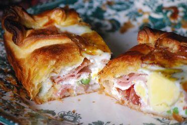 800px-Bacon&egg_pie - Copy