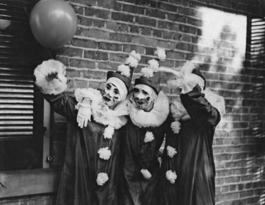 Mardi_Gras_Clowns_in_New_Orleans_Louisiana_in_1936 - Copy