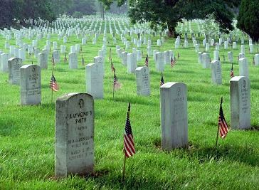Memorial_Day_at_Arlington_National_Cemetery - Copy